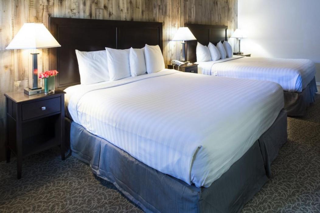 Mission Inn & Suites - 2 Queen Beds