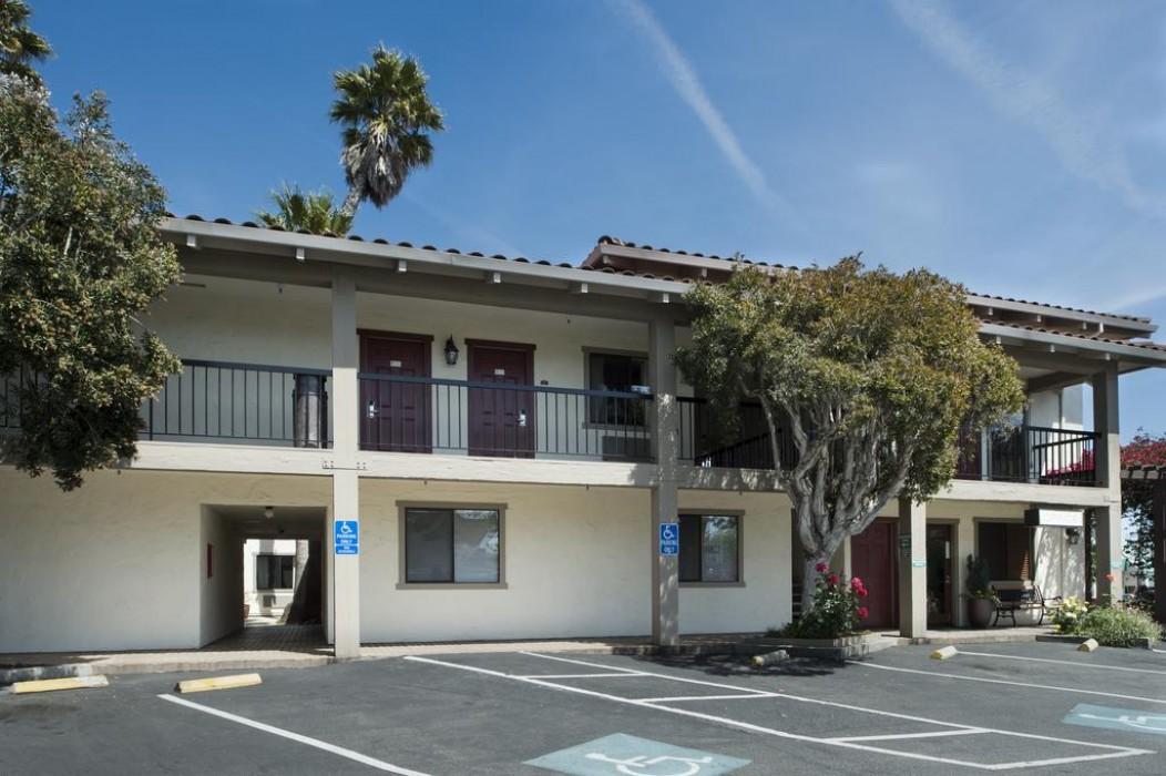Mission Inn & Suites - Hotel Exterior