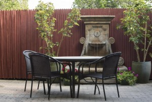 Mission Inn & Suites - Relax in our courtyard