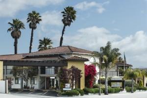 Mission Inn & Suites - Mission Inn & Suites entrance