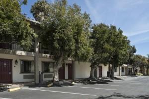 Mission Inn & Suites - Guest Parking